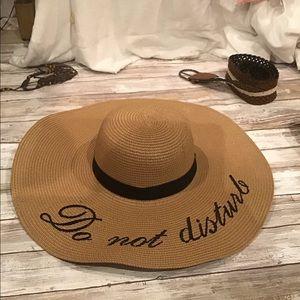 Straw beach hat